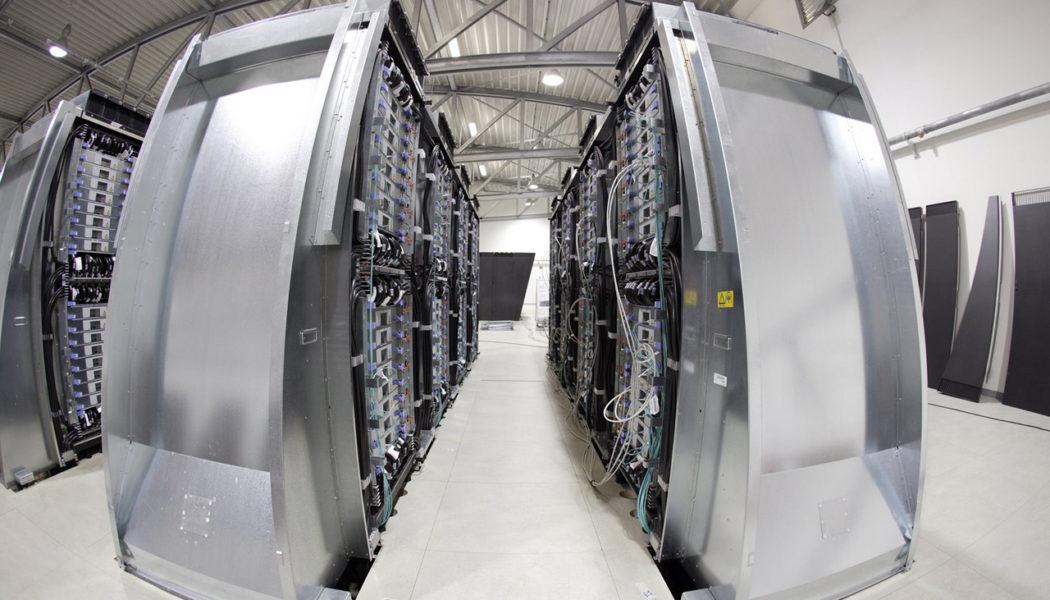 Amazon launches Brazil data centers