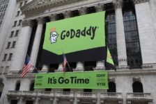 GoDaddy to migrate most of its IT infrastructure to Amazon Web Services